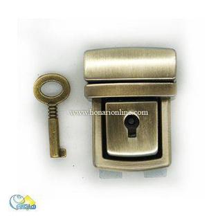 خرید قفل رمزدار،قیمت قفل رمزدار،قفل رمزدار از کجا بخرم،خرید قفل دو رمز،خرید انواع قفل برای کیف های چرمی،قفل مناسب کیف های چرمی،موارد استفاده از قفل های رمزدار،قفل رمزدار در طرح های مختلف،،چرم دوزی سنتی،چرم دوزی با دست،مشته چرم دوزی از کجا بخرم،وسایل اولیه چرم دوزی،قیمت ابزار چرم دوزی،ابزار چرم دوزی از کجا بخرم،وسایل مورد نیاز برای چرم دوزی در منزل،معرفی ابزارآلات کار با چرم،ابزار های لازم برای چرم دوزی کدامند،هنری،لوازم هنری،فروش لوازم هنری،فروشگاه هنری آنلاین